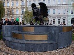 Slavnostní odhalení pamětní desky českých letců RAF na Klárově.
