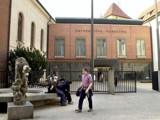 Karolinum v Praze.