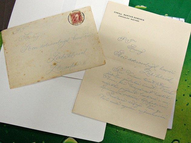 Sbor dobrovolných hasičů Zbraslav dostal ve 30. letech 20. století děkovný dopis od Cyrila Bartoně z Dobenína za jmenování čestným členem sboru. Bartoň nechal předělat zchátralý zbraslavský klášter na zámek.