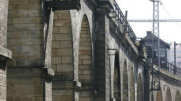 Negrelliho viadukt. Ilustrační foto.