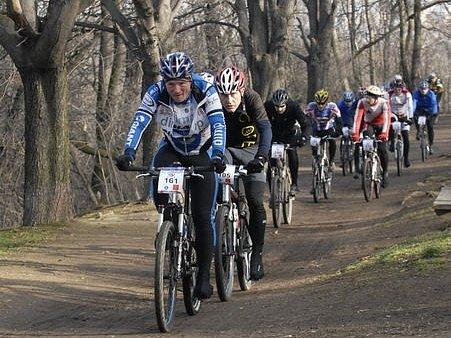 O vítězství ve dvanácti kategoriích včetně jedné týmové bojovalo 263 závodníků.