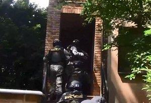 Zásah policie.