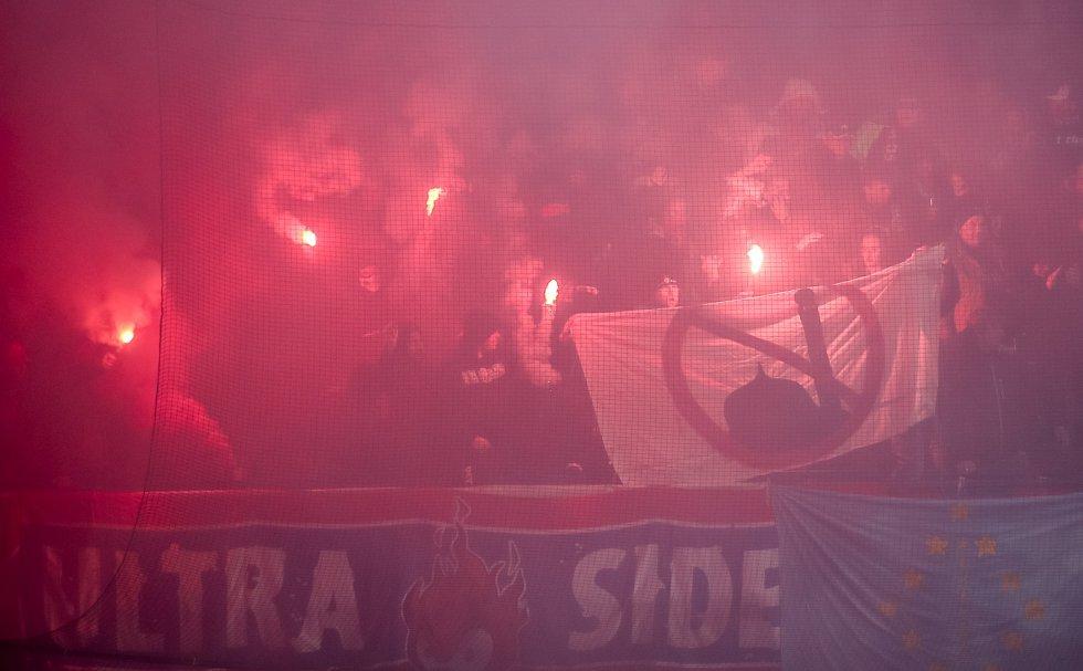 Zápas 25. kola 1. ePojišťovna fotbalové ligy mezi AC Sparta Praha a FC Viktoria Plzeň, hrané 23. dubna v Praze. fanoušci Plzně.