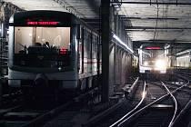 OBRATIŠTĚ VLAKŮ NA DEJVICKÉ. Tato stanice na trase A za pár let nebude konečná.