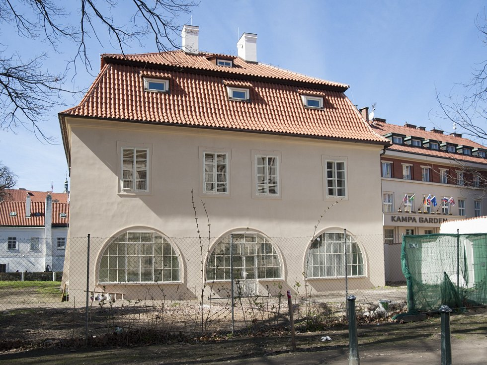 Dobrovského vila