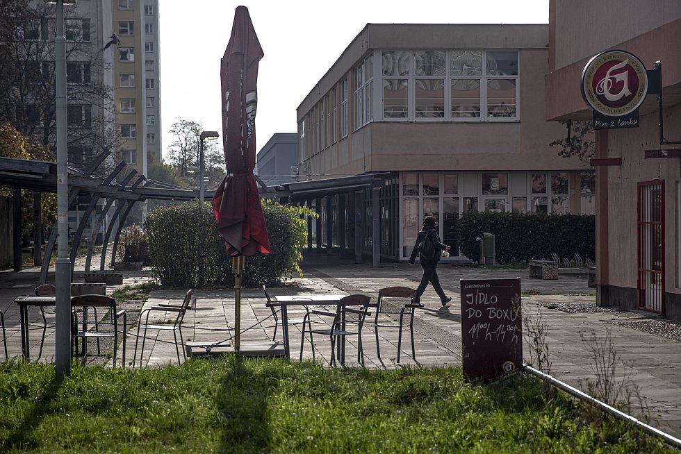 Současný stav promenády u ulice Pujmanové na pražské Pankráci.
