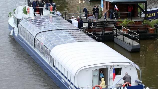 Po Vltavě se nově plaví Grand Bohemia, nejmodernější výletní loď ve flotile Pražské paroplavební společnosti.