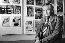 Jaroslav Foglar. Spisovatele natolik nadchlo okolí Haštalského náměstí, že se do podobného prostředí rozhodl zasadit děj několika svých románů.