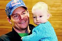 TÁTA. S dcerou Lucií se Kraus viděl po měsíci a půl.