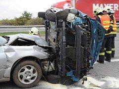 Odklízení dopravní nehody.