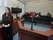 Obvodní soud pro Prahu 3 začal projednávat spor Úřadu pro zastupování státu ve věcech majetkových s Terezou Virtovou z Autonomního centra Klinika kvůli neprodloužení smlouvy o výpůjčce objektu v Jeseniově ulici.