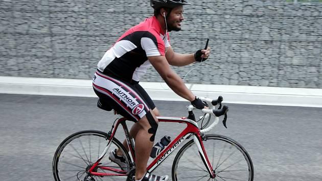 Ve středu ráno odstartoval ze Staroměstského náměstí Opel Handy Cyklo Maraton 2014.