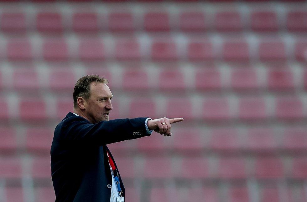 Zápas 25. kola 1. ePojišťovna fotbalové ligy mezi AC Sparta Praha a FC Viktoria Plzeň, hrané 23. dubna v Praze. Zdeněk Bečka.