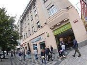 Dům číslo popisné 1601 s kubistickými a novoklasickými prvky na rohu Opletalovy ulice a Václavského náměstí v Praze.