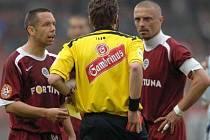 Pavel Horváth a Tomáš Řepka. Pro Spartu jsou nepostradatelní, ale za své chování na hřišti musí platit.
