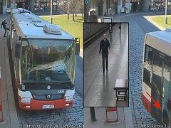 Poškození autobusu.