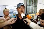 Letadlo ČSA z mexického Cancunu přistálo 3. května dopoledne na pražském ruzyňském letišti. Na jeho palubě bylo okolo dvou set turistů, kteří po přistání prošli základní lékařskou prohlídkou.