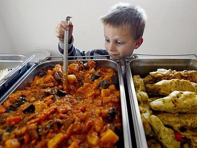 JDE TO I BEZ MASA. A děti kvůli tomu nemusí strádat, natož stravu doplňovat drůbeží či rybou.