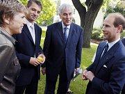 Ivan Chadima (uprostřed)