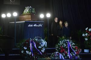 V Národním divadle se lidé 14. října 2019 loučili s Vlastou Chramostovou.