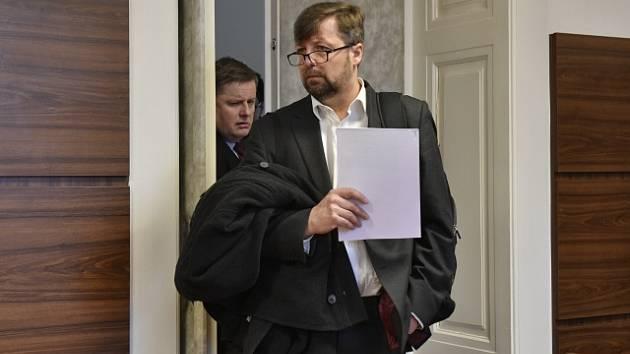 Ředitel benešovské policie Pavel Havránek u soudu.