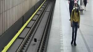 Pokus o znásilnění v metru