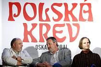 Herci Jan Ježek, Vratislav Kříž a Aleš Briscein (zleva) na tiskové konferenci 27. dubna 2009 v Hudebním divadle karlín k uvedení nové hry Polská krev.