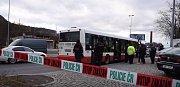 Střelba v autobusu MHD.
