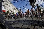 Velká jarní cyklojízda projela 26. dubna centrem Prahy.