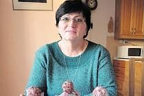Sbírání betlémů je vášní Marie Dočekalové. Shání nebo vyrábí si je sama. Známí si na ni vzpomenou, když je objeví někde v zahraničí. Její figurky vystavují i v Africe