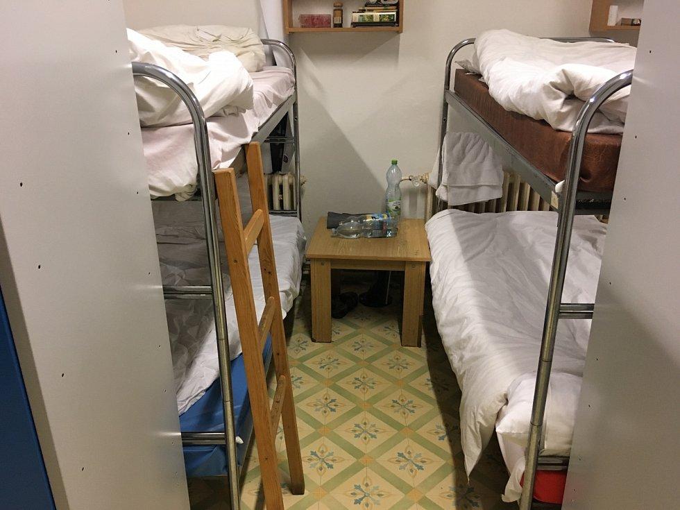 Bezdomovci za noc v noclehárně platí 30 korun
