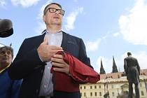 Bývalý hejtman David Rath se po odsouzení za korupci přirovnal k Miladě Horákové a s rudými trenkami řekl, že rozsudek byl vynesen na přání prezidenta Zemana.