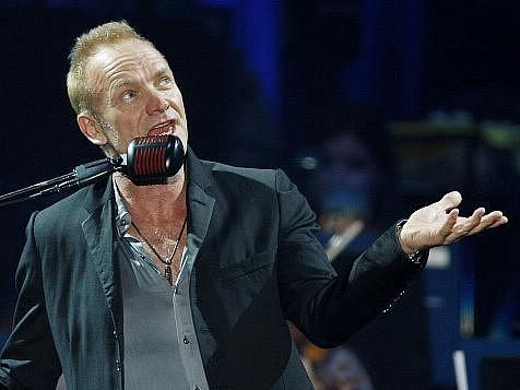 Koncert britského zpěváka Stinga s Royal Philharmonic Concert Orchestra se konal ve středu 22. září 2010 v pražské O2 Areně.