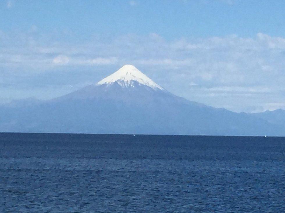 Známá jihochilská sopka Osorno.