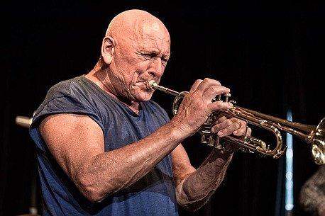 Na Mladí ladí jazz open-air vystoupí jazzman Laco Deczi