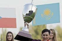 Kazach Bauyržan Murzabajev vyhrál Evropský pohár žokejů ve Velké Chuchli