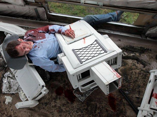 Správa železniční dopravní cesty se již tradičně připojila k celosvětové kampani II. CAD - Mezinárodního dne bezpečnosti na železničních přejezdech. Letošní ročník byl věnován střetu osobního vlaku s nákladním vozidlem a následné záchraně zraněných.