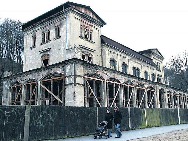 Velmi dlouhou dobu chátrající Šlechtova restaurace v Praze.