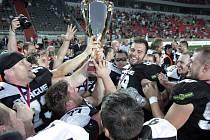 Takto se američtí fotbalisté Prague Black Panthers radovali loni po zisku českého titulu.