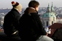 Pohled na panorama Prahy a kopuili chrámu sv. Mikuláše. (Snímek ze dne 9. prosince 2008)