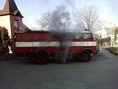 PROBLÉMY S TECHNIKOU. hasičský ecergreen řeší i v Senohrabech, kraj jim zatím přílič nepomohl.