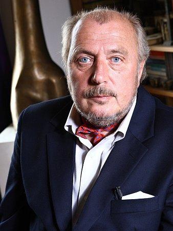 Výtvarník a potomek hereckého rodu Kristian Kodet.