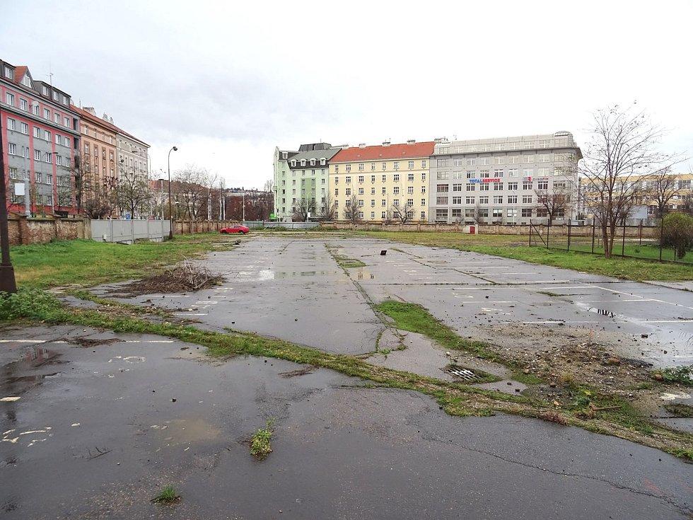 Místo, kde vyroste nová budova NKÚ.
