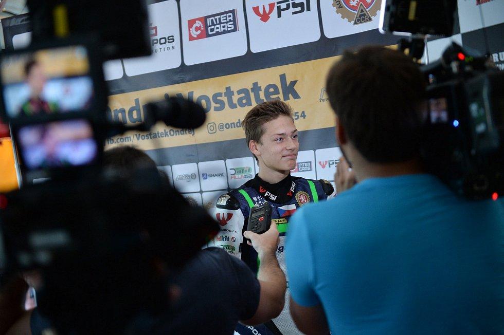 Ondřej Vostatek přestoupil do motocyklové stáje Aspar Team.
