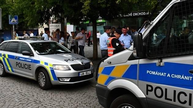 Policie dopadla muže, který vyhrožoval bombovým útokem v OC Nový Smíchov.