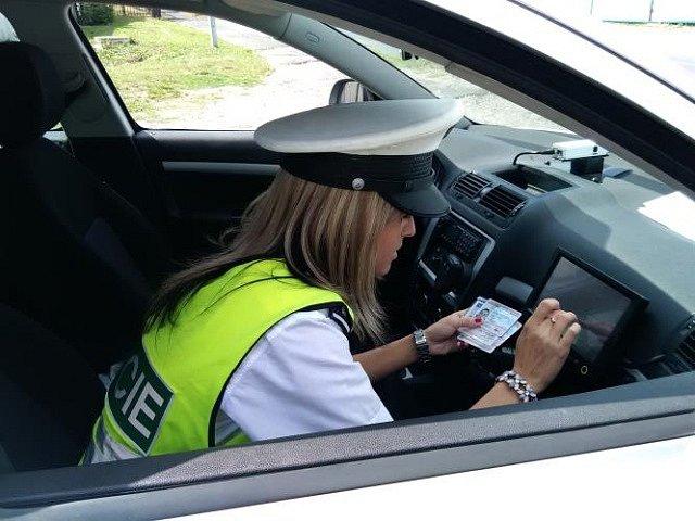 Středočeští policisté se zapojili do celorepublikové dopravní akce zaměřené na dodržování povolené rychlosti.