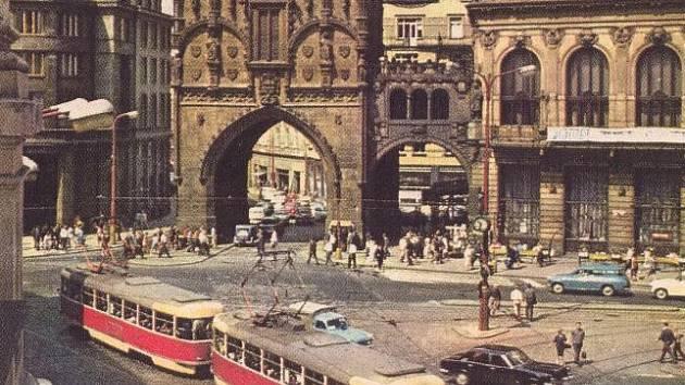 Praha chce revitalizovat Hradební korzo. Součástí studie je i možný návrat tramvají do ulice Na Příkopě.