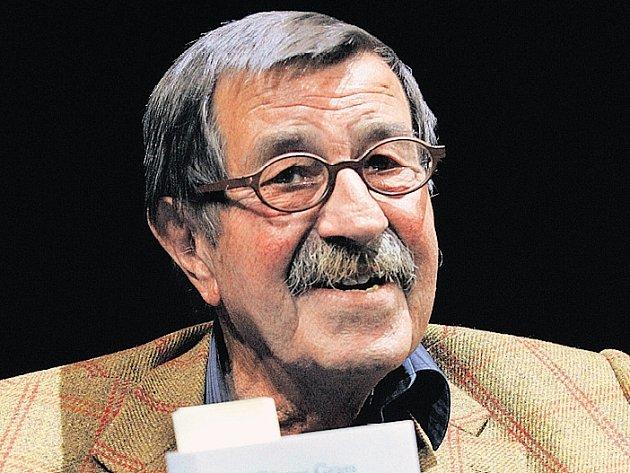 AUTOR A JEHO KNIHA. Günter Grass a jeho kontroverzní kniha Při loupání cibule, která právě vychází v češtině.