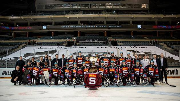 Hokejisté Sparty vyhráli základní část extraligy ročníku 2020/2021 a obdrželi Prezidentský pohár.