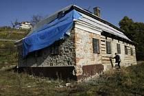 Oprava Viničního domku začala.